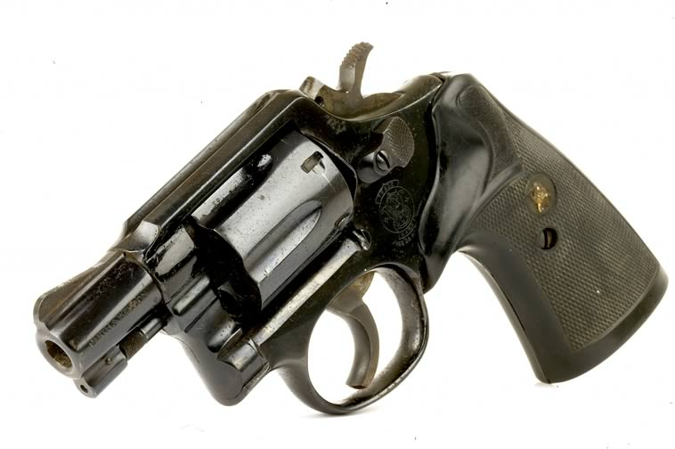 deactivated_smith_and_wesson_snub_nose