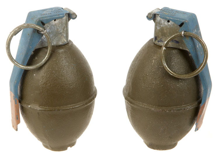Reproduction Inert Smoke Grenades