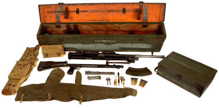 Deactivated WWII Enfield Bren Gun MKI & Transit Chest With